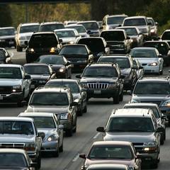 Carros são um dos causadores de poluição do ar. Qualidade do ar é ruim em cidades brasileiras, como Rio e São Paulo (Foto: David McNew/Getty Images)