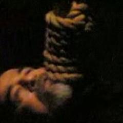 SADDAM HUSSEIN (Iraque) – Morto em 30 de dezembro de 2006 – Quando foi capturado por americanos, em dezembro de 2003, era ditador do Iraque desde 1979. Condenado por um júri iraquiano, a imagem de Saddam enforcado foi vendida para o mundo como símbolo de  (Foto: AFP PHOTO/INTERNET/DSK)