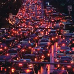ECONOMIA PARADA Congestionamento em São Paulo. Um estudo afirma que o Brasil desperdiça US$ 30 milhões com engarrafamentos por ano (Foto: Mastrangelo Reino/Folhapress)