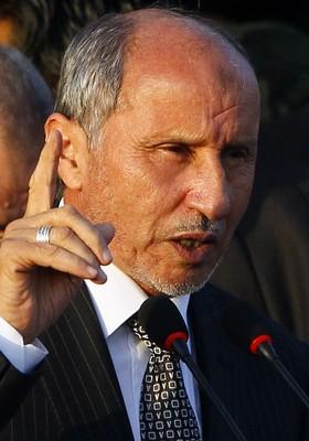 O presidente do Conselho Nacional de Transição (CNT), Mustafa Abdul Jalil (Foto: Francois Mori/AP)