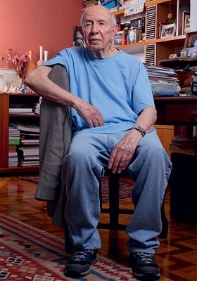 ELE DISSE NÃO Armênio Guedes em sua casa, em São Paulo. Ele afirma que recebeu proposta para ser informante da CIA. Rejeitou. Depois foi enviado ao Chile pelo PCB  (Foto: Rogério Cassimiro/ÉPOCA  )