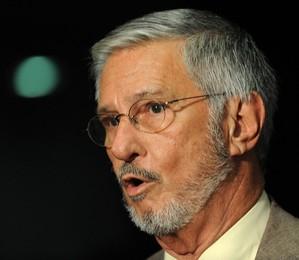 """O deputado Ibsen Pinheiro (PMDB-RS), autor da """"Emenda Ibsen"""", que divide os royalties do petróleo para todos os Estados brasileiros, e não só os produtores de petróleo (Foto: Fabio Rodrigues Pozzebom/ABr)"""