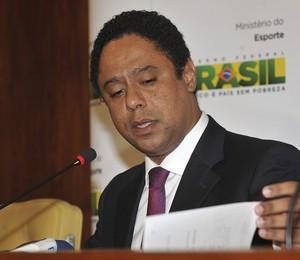 O ministro dos Esportes, Orlando Silva, rebate as acusações de desvio de recursos públicos no ministério (Foto: Valter Campanato/ABr)