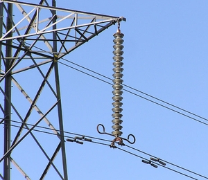 UPPs ajudam Light a regularizar rede elétrica em favelas do Rio (Foto: Shutterstock)