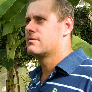 Júnior José Guerra: marcado para morrer, ele foge com a família pelo Brasil (Foto: Arquivo pessoal)