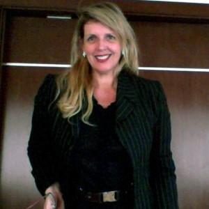 Mai Assis, diretora da Searching, empresa especializada em preparar todos os detalhes para executivos estrangeiros que vêm morar no Brasil a trabalho (Foto: Arquivo Pessoal)