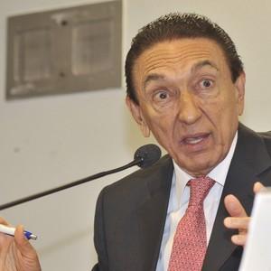 Edison Lobão, ministro de Minas e Energia (Foto: José Cruz/ABr)