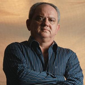 DENÚNCIA O ex-gerente Fred Elias de Souza, que revelou muitas das irregularidades. Ele foi transferido de função e hoje trabalha durante a madrugada, no SAC do banco (Foto: Jarbas Oliveira/ÉPOCA)