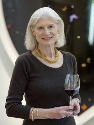 Serena Sutcliffe, diretora internacional da Sotheby's Wine (Foto: Divulgação)