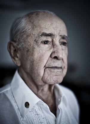 O Major-Brigadeiro-do-Ar Rui Moreira Lima, de 92 anos, participou de 94 missões de guerra na Itália. Em petição, ele pede punição de militares que praticaram crimes durante a ditadura (Foto: Stefano Martini)