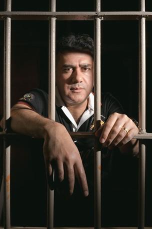 O NÚMERO DOIS Jarvis Pavão, na penitenciária de Tacumbu, em  Assunção. Ele diz que o Paraguai virou território livre para o narcotráfico  (Foto: Rogério Cassimiro/ÉPOCA)