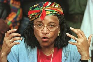 """A presidente da Libéria, Ellen Johnson-Sirleaf, a """"Dama-de-Ferro"""", tornou-se, em 2006, a primeira mulher a ocupar o cargo de chefe de Estado em todo o continente africano (Foto: David Guttenfelder / AP)"""