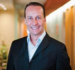 GLOBALIZADO Eduardo Aron na Kimberly-Clark. Ele já participou de dois cursos fora, na França e nos Estados Unidos (Foto: Isadora Brant/ÉPOCA)