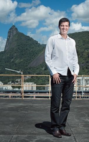 HORÁRIO FLEXÍVEL Marcus Rubim no escritório carioca da Coca-Cola. Ele vai à academia todos os dias (Foto: Daryan Dornelles/Época)