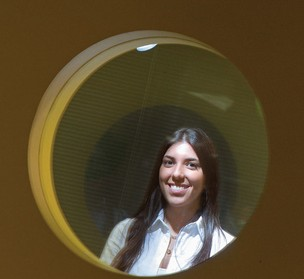 QUEM INDICOU Viviane Souza no Google. A empresa chegou até ela por recomendação. Uma prática comum para encontrar pessoas com perfis similares (Foto: Rogério Cassimiro/Época)