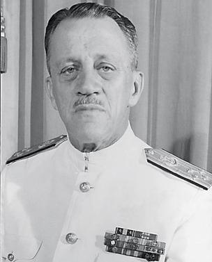 ALVO INTERNO O almirante Adalberto de Barros Nunes, ministro da Marinha durante o governo Médici. Os relatórios do Cenimar mostram que ele também estava sob a vigilância dos agentes do serviço secreto da Marinha (Foto: arq. Ag. O Globo)