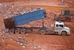 O aterro da Tecipar recebe cerca de 700 toneladas de lixo por dia dos municípios de Santana de Parnaíba, Barueri,Carapicuíba e Araçariguama (Foto: Reprodução/ÉPOCA)