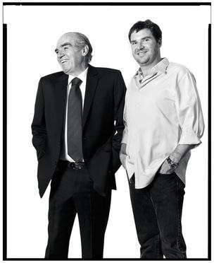 Michael e Raphael Klein: o pai construiu e o filho precisa perpetuar um negócio de R$ 24 bilhões  (Foto: Arthur Nobre)