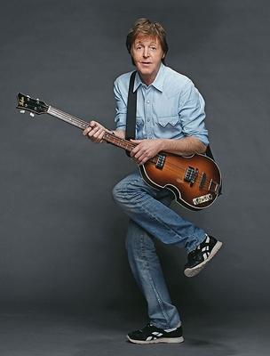 QUANTA ENERGIA O músico Paul McCartney em 2010.  Em seu novo show, ele apresenta  30 músicas em três horas  e meia de espetáculo (Foto: MJ KIM)