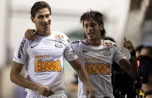Neymar e Ganso (Foto: Agência EFE)