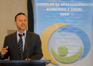 Luciano Coutinho presidente do BNDES (Foto: Wilson Dias/ Agência Brasil)