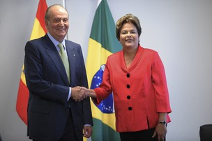 O rei da Espanha, Juan Carlos I, e a presidenta Dilma Rousseff durante encontro no Palácio do Planalto (Foto: Wilson Dias/Agência Brasil)