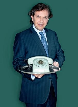 Especialistas diziam que Appolinário não conseguiria vender nada por  telefone. Sei... (Foto: Artnet)