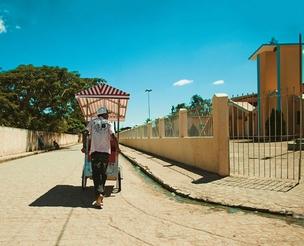 O trabalho informal, típico da classe D, ainda predomina em Campo Alegre (Foto: Claus Lehmann)
