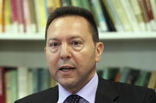 Yannis Sturnaras foi nomeado o novo ministro das Finanças da Grécia (Foto: Agência EFE)