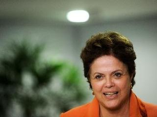Dilma: Governo não vai abandonar a indústria<br/>(Foto: EFE)