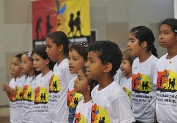 Crianças do Distrito Federal participam do lançamento da campanha do Dia contra o Trabalho Infantil 2012 (Foto: Elza fiúza/ABr)