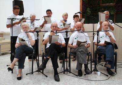Apresentação do Coral do Grupo Sua Voz, formado por pacientes de câncer de laringe do Hospital A.C. Camargo, em São Paulo (Foto: Divulgação)