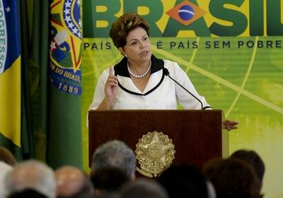 Dilma Rousseff participa da cerimônia de anúncio de novas medidas do Plano Brasil Maior, na terça-feira (3), em Brasília (Foto: Marcello Casal Jr / ABr)