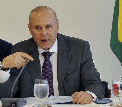 Ministro Guido Mantega: medidas para animar o setor produtivo (Foto: Antonio Cruz/ABr)