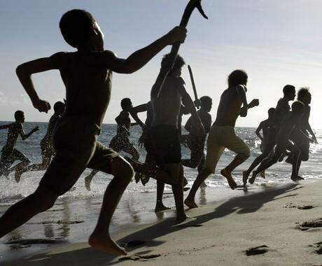 Capitães de areia: um bando de meninos que moram em um trapiche e roubam para sobreviver (Foto: Divulgação)