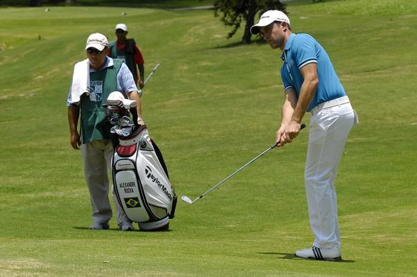 Alexandre Rocha foi o primeiro golfista brasileiro em 29 anos a disputar o PGA Tour, principal torneio de Golfe no mundo. O atleta é uma das apostas para 2016, quando o esporte volta aos Jogos Olímpicos (Foto: Zeca Resendes / CBG)