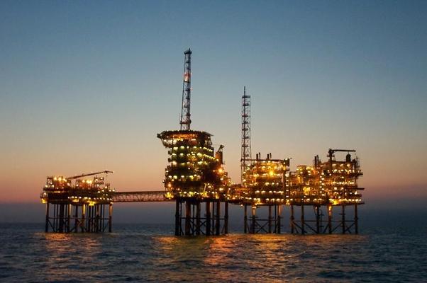 Produção de petróleo chega a 2,205 milhões de barris ao dia, em fevereiro(Foto: Getty Images)