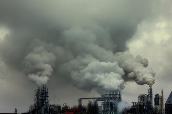 O mundo emitiu 31,6 bilhões de toneladas de dióxido de carbono em 2011 (Foto: SXC)