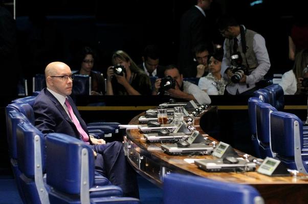 Para evitar cassação, Demóstenes vai ao plenário do Senado (Foto: Waldemir Barreto/Agência Senado)
