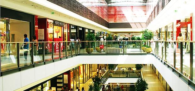 Shopping center: empresários do comércio estão menos confiantes (Foto: Shutterstock)