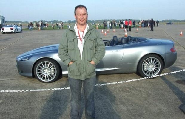 John Noakes, um dos motoristas premiados na loteria: sonho de ter um Aston Martin agora pode ser realizado (Foto: Reprodução internet)