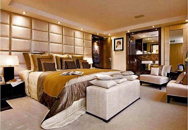 O apartamento possui seis quartos, uma biblioteca e um cinema particular (Foto: Reprodução internet)