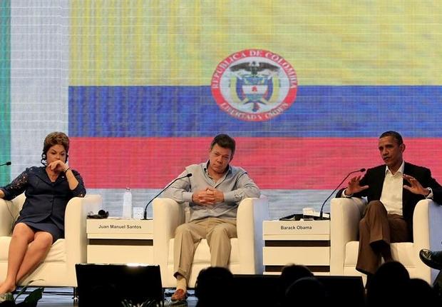 Os presidentes Dilma Rousseff, do Brasil, Juan Manuel Santos, da Colômbia, e Barack Obama, dos Estados Unidos, na Cúpula das Américas (Foto: EFE)