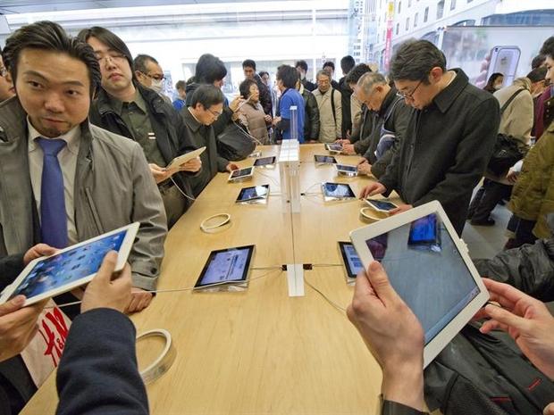 Lançamento do novo iPad no Japão (Foto: Agência EFE)