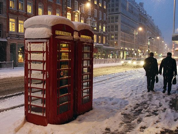 As cabines telefônicas inglesas foram foram desenhadas pelo arquiteto inglês Giles Gilbert Scott (Foto: Getty Images)