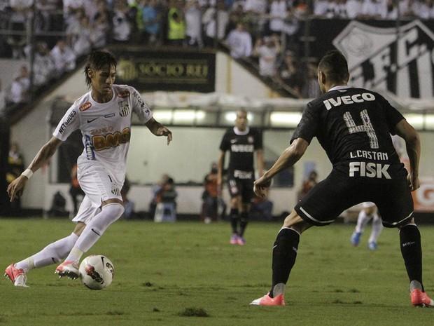 Corinthians x Santos (Foto: Agência EFE)