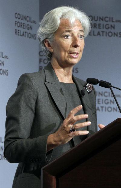 A francesa Christine Lagarde, chefe do FMI, em discurso no Conselho de Relações Exteriores, em Nova York (Foto: Richard Drew, AP Photo)