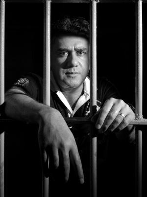 O DONO DA CADEIA Pavão, atrás das grades na penitenciária de Tacumbu. Lá, ele é tratado como celebridade por pagar advogados e comida para outros detentos  (Foto: divulgação)