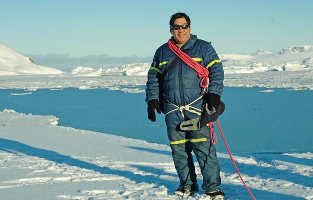 ARMANDO HADANO Largou a faculdade de Direito para morar na base brasileira na Antártica. Sobreviveu a um infarto antes de voltar a viver no Brasil (Foto: reprodução)