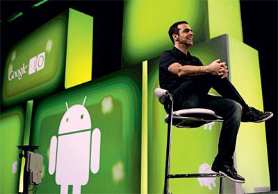 TENTATIVA E ERRO Hugo Barra num evento em San Francisco. Ele foi um dos responsáveis pelo fracassado Google Buzz (Foto: Marcio Jose Sanchez/AP)